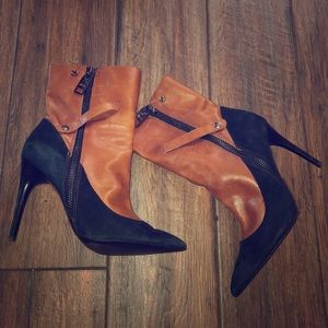 Shoes - Booties stylish tan and black David J. Pliner